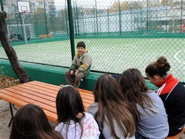 Заключена детска площадка в Люлин 2